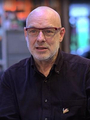 دانلود آلبوم ها و آهنگ های Brian Eno (برایان اینو)