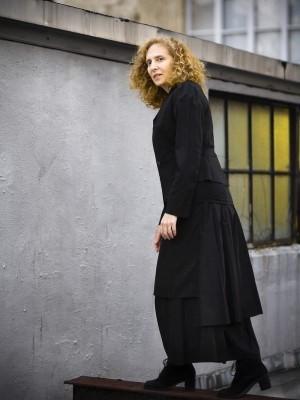 دانلود آلبوم ها و آهنگ های Julia Wolfe (جولیا ولف)