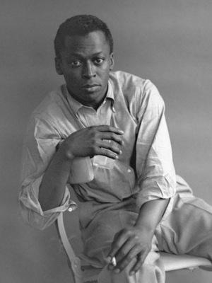 دانلود آلبوم ها و آهنگ های Miles Davis (مایلز دیویس)