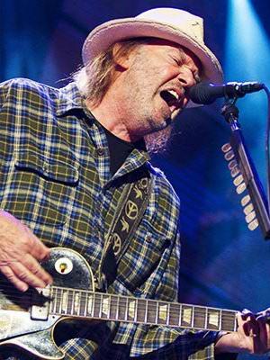 دانلود آلبوم ها و آهنگ های Neil Young (نیل یانگ)