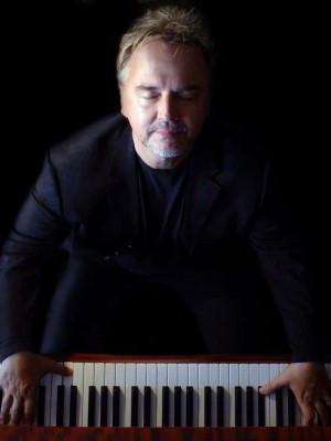 دانلود آلبوم ها و آهنگ های Peter Kater (پیتر کیتر)
