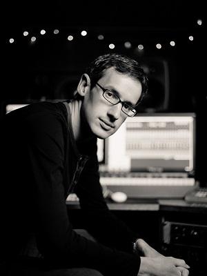 دانلود آلبوم ها و آهنگ های Steven Price (استیون پرایس )